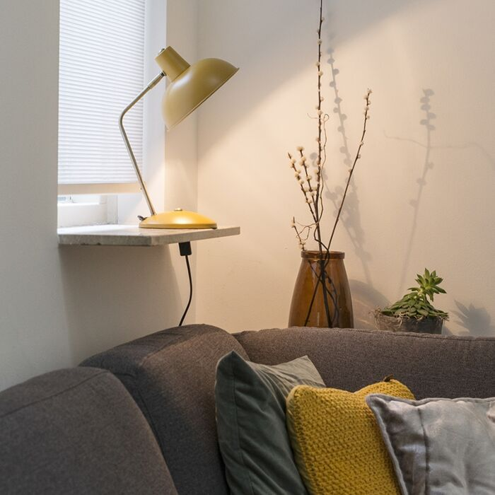 Retro-table-lamp-yellow-with-bronze---Milou